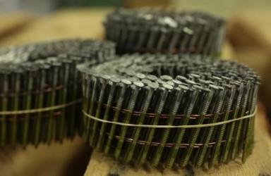 钢铁关税致成本上涨 美国最大钉子生产商月底或关门
