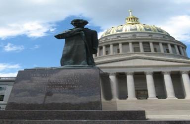 西弗吉尼亚州宣布启动第一个区块链投票试点