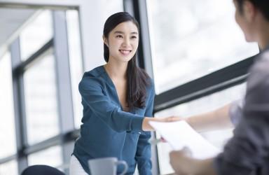 中国海归就业创业调查:超8成海归收入低于预期