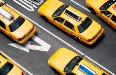 嘀嗒出行广告充斥性暗示 客服:司机素质我们可管不了