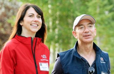 25年结婚破裂 亚马逊CEO贝佐斯决定和妻子离婚
