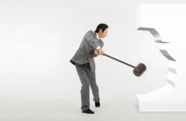 ST抚钢连续8年财务造假被罚60万 专家:应惩罚性赔偿10倍