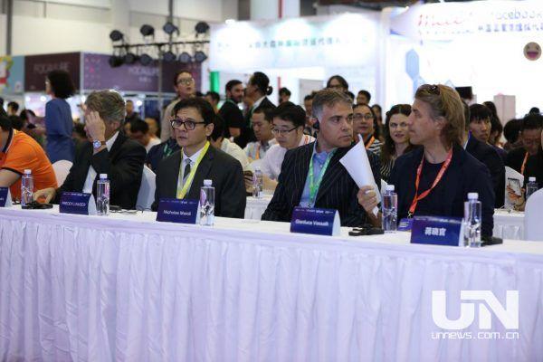 CCEE选品饕餮盛宴开席两天 万人共享跨境电商新机遇